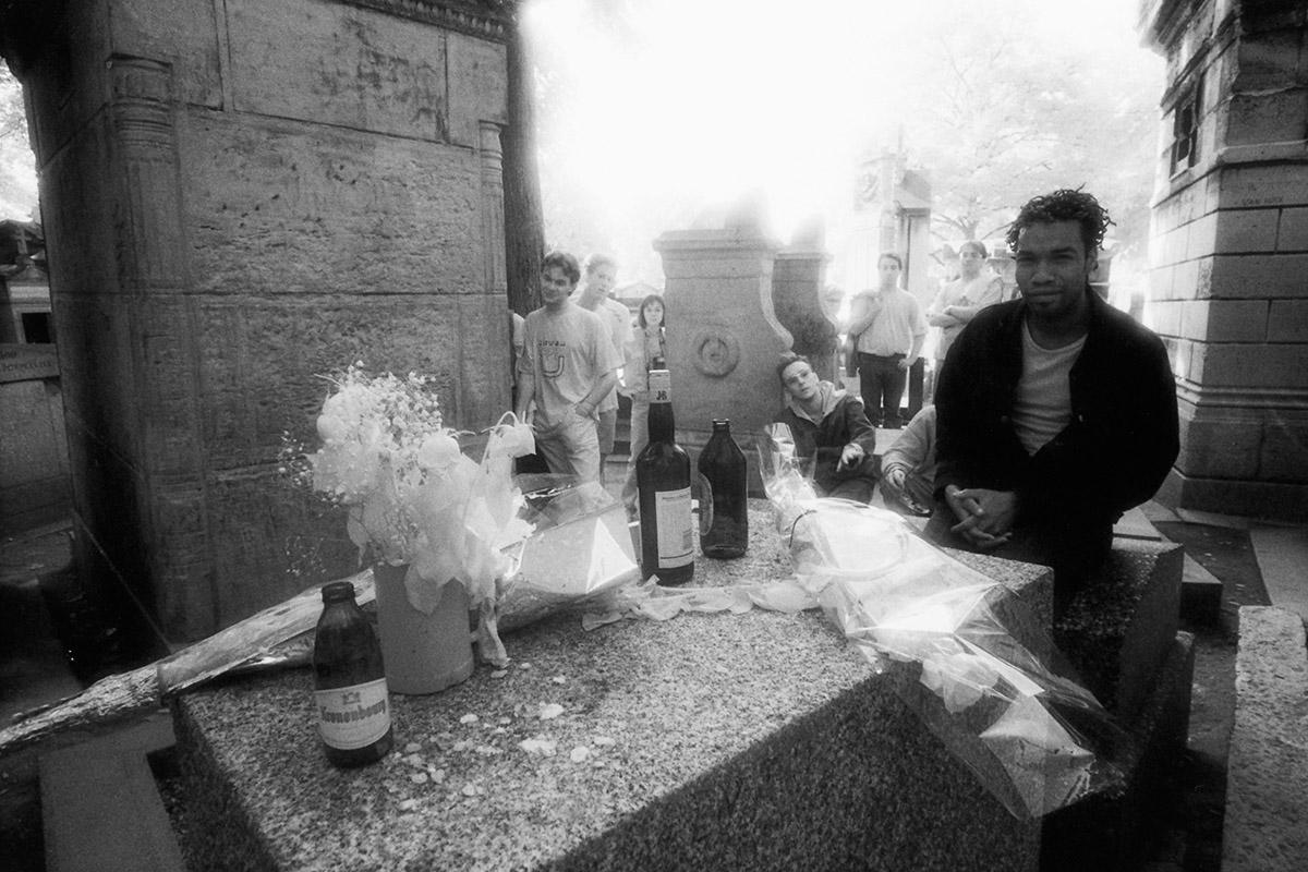 Louis XIV, Père François de la Chaise, Chopin, Montand, Piaf, Wilde, Molière, Doors, LSD, Jim, James, Morrison, cemetery, street photography