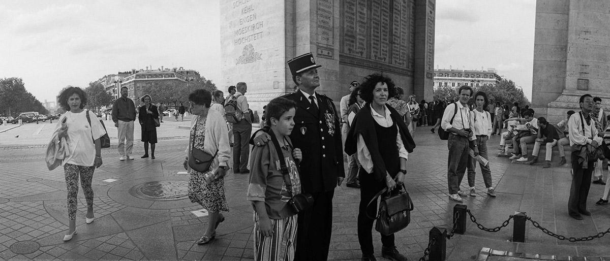 Place Charles de Gaulle, Place de l'Étoile, Av. de Champs Elysées, historic axis, Napoleonic Wars, French revolution, street photography