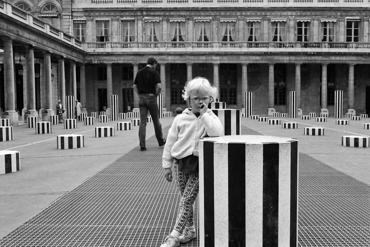 Palais Royal, Colonnes de Buren, Cour, Rue de Montpensier, Jardin, metro station, striped pillars, street photography